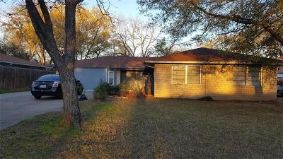 Irving TX Single Family Home For Sale: $216,000