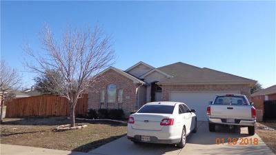 Tarrant County Single Family Home For Sale: 101 Hirth Drive