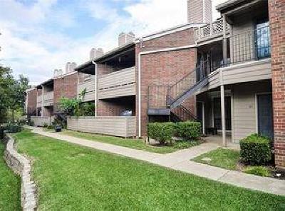 Dallas Condo For Sale: 8545 Midpark Road #28