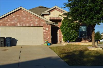 Fort Worth Single Family Home For Sale: 3917 Yarberry Court