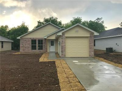 Cleburne TX Single Family Home For Sale: $150,000