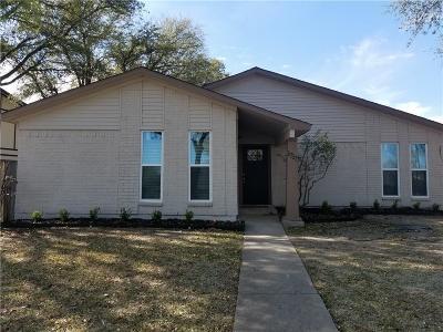 Carrollton Single Family Home For Sale: 1717 Southampton Drive