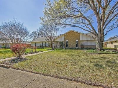 Dallas Single Family Home For Sale: 7734 Tanglecrest Drive