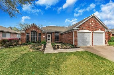 Haltom City Single Family Home For Sale: 5665 Rockport Lane