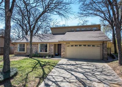 Arlington Single Family Home For Sale: 5532 Parliament Drive