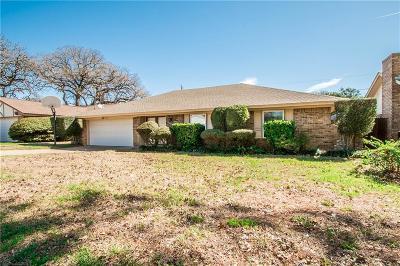 Arlington Single Family Home For Sale: 2719 Trail Oak Court