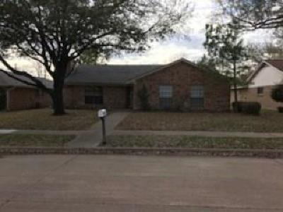 Single Family Home For Sale: 303 Gwendola Drive