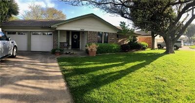 Arlington Single Family Home For Sale: 1407 San Marcos Drive