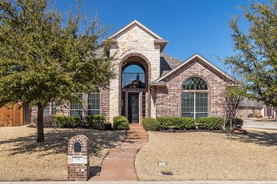 Hurst Single Family Home For Sale: 700 Trails End Circle