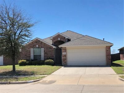 Arlington Single Family Home For Sale: 8204 La Frontera Trail