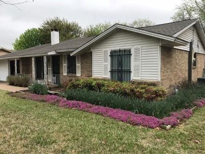 Haltom City Single Family Home For Sale: 5705 Bonnie Wayne Street