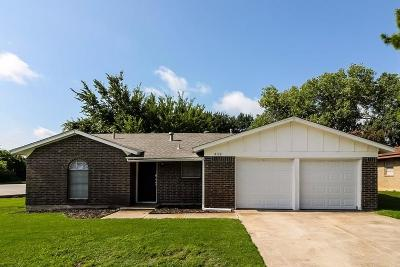 North Richland Hills Residential Lease For Lease: 8132 Cross Drive