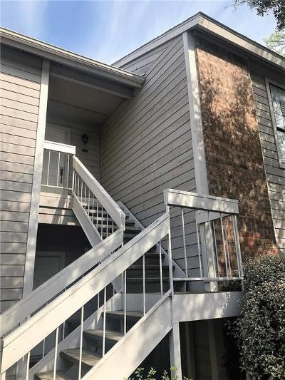 Arlington Condo For Sale: 1105 Quail Valley Lane #216