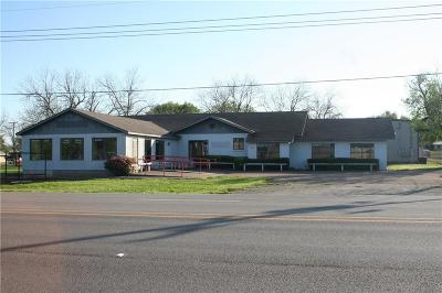 Coolidge, Mexia, Mount Calm Commercial For Sale: 837 W Hwy 171