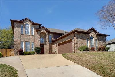 North Richland Hills Single Family Home Active Contingent: 9205 Glenhaven Court