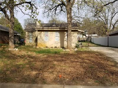 Single Family Home Active Option Contract: 3320 Delaware Trail