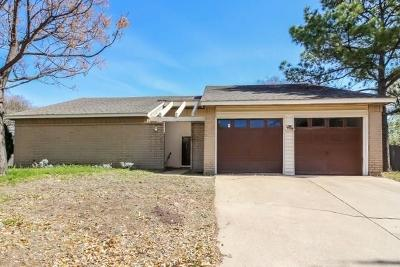 Grand Prairie Single Family Home For Sale: 4201 Amherst Lane