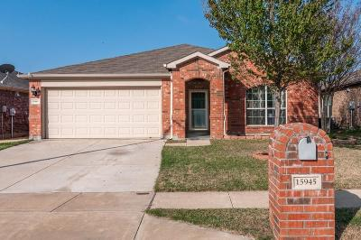 Fort Worth Single Family Home For Sale: 15945 Blaketree Drive