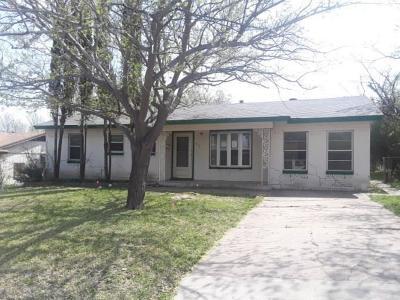 Grand Prairie Single Family Home For Sale: 237 Glynn Circle