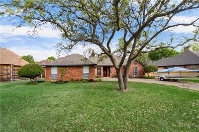 Grapevine Single Family Home For Sale: 3026 Trail Lake Drive