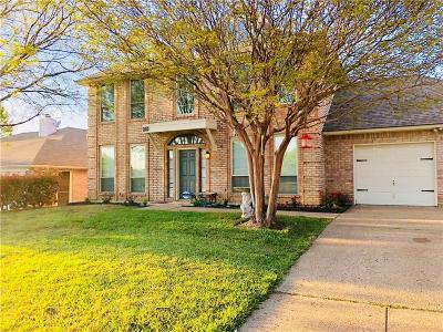 North Richland Hills Single Family Home For Sale: 6705 Dogwood Lane