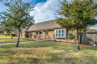 Single Family Home For Sale: 4307 Three Oaks Drive