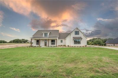 Granbury Single Family Home For Sale: 153 Helton