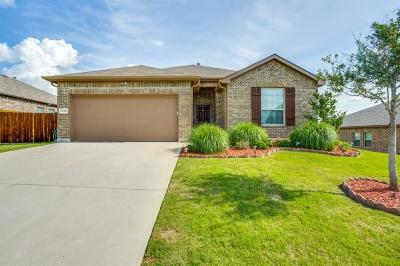 Azle Single Family Home For Sale: 1316 Glenwood Drive