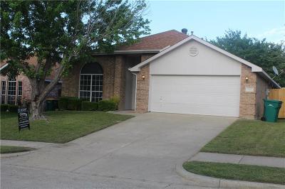 Cedar Hill Single Family Home For Sale: 203 Cain Drive