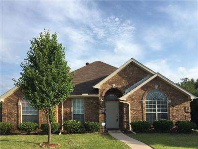 Lewisville Single Family Home For Sale: 400 Jenkins Lane