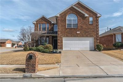Fort Worth TX Single Family Home For Sale: $259,999