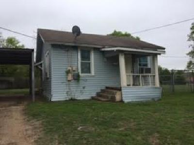 Ennis Single Family Home For Sale: 607 W Gilmer Street