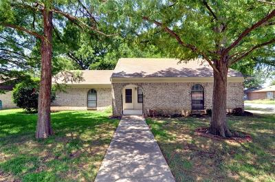 Benbrook Single Family Home For Sale: 1417 Timberline Drive