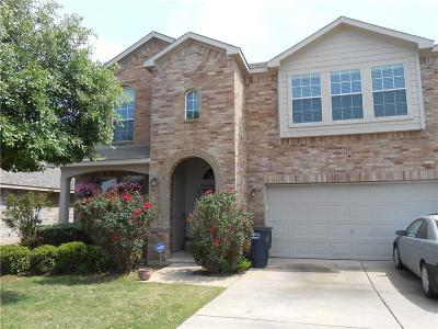 Fort Worth Single Family Home For Sale: 8421 Whispering Willow Lane