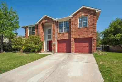 Arlington Single Family Home For Sale: 8223 Tombstone Drive