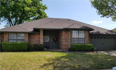 Bedford Single Family Home For Sale: 1412 Country Meadows Drive