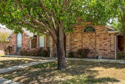 Lewisville Single Family Home For Sale: 1028 Columbia Drive