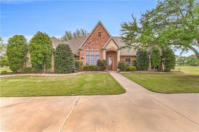 Granbury Single Family Home For Sale: 3226 Golden Oaks Circle