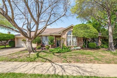 Bedford Single Family Home For Sale: 1129 Wingate Drive