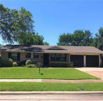 Farmers Branch  Residential Lease For Lease: 2960 Amber Lane