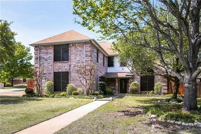 Hurst Single Family Home For Sale: 2917 Oak Ridge