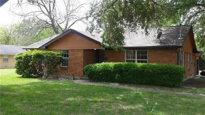 Dallas Single Family Home For Sale: 321 Greenhaven Drive