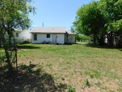 Jacksboro Single Family Home For Sale: 312 N Jack
