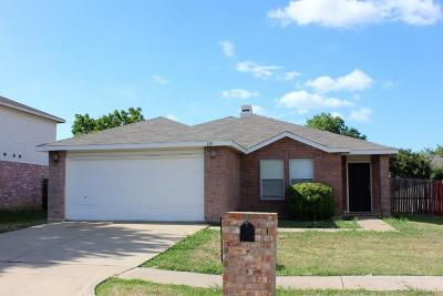 Arlington Residential Lease For Lease: 815 Encino Drive
