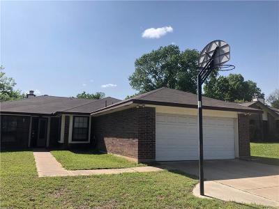Euless Single Family Home For Sale: 702 Creekside Drive