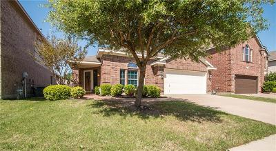 Fort Worth Single Family Home Active Contingent: 9208 Friendswood Drive