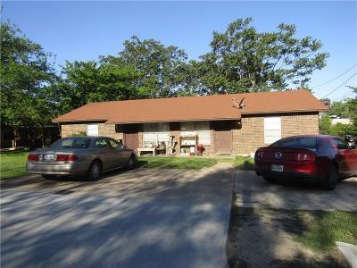 Azle Multi Family Home Active Option Contract: 447 Wilshire Avenue