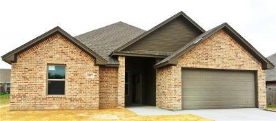 Bridgeport Single Family Home For Sale: 2107 Stonegate Boulevard