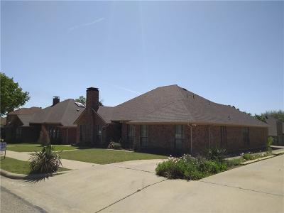 Irving Single Family Home For Sale: 4929 Longwood Court