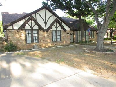Hurst Single Family Home For Sale: 1748 Renee Drive